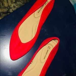 Women's red pointed toed dress flats